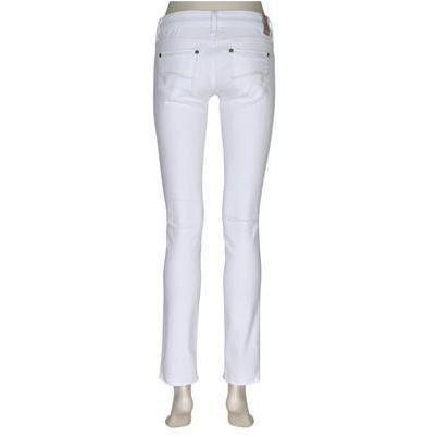 Mavi Jeans: Lindy White